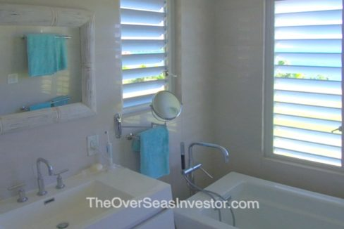 blue-escapes-Antigua-13-the-overseas-investor