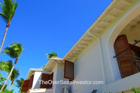 blue-escapes-Antigua-5-the-overseas-investor