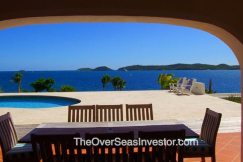 blue-escapes-Antigua-8-the-overseas-investor